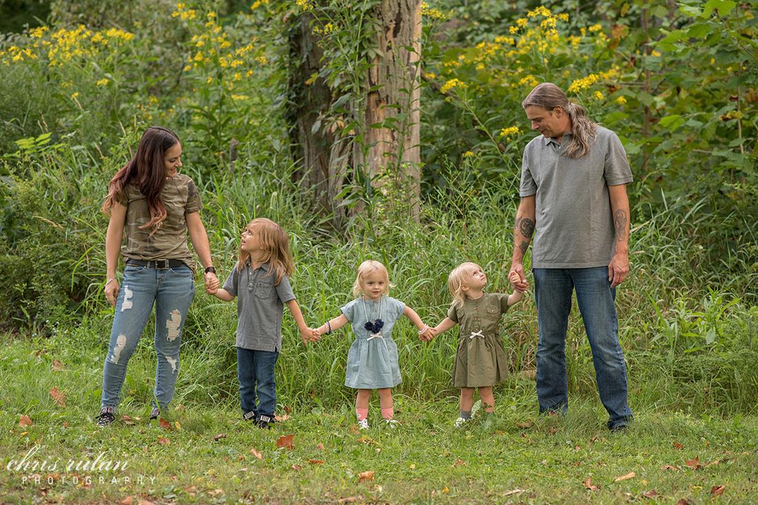 chris rutan photography akron family photography session kids children lifestyle shoot